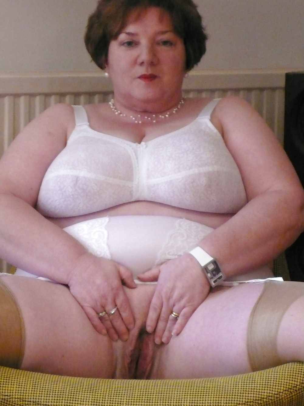 Well, that Mature bbw girdle and stockings already
