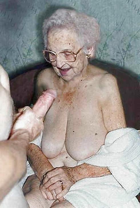 Бабка с хуем
